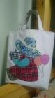 一面是闺女的手绘,一面是我的手工,闺女的手提袋美美哒