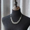 剔透灰色水晶颈链