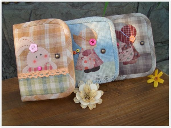 先染贴布两折短款钱包——糖果色的夏天:苏和兔子