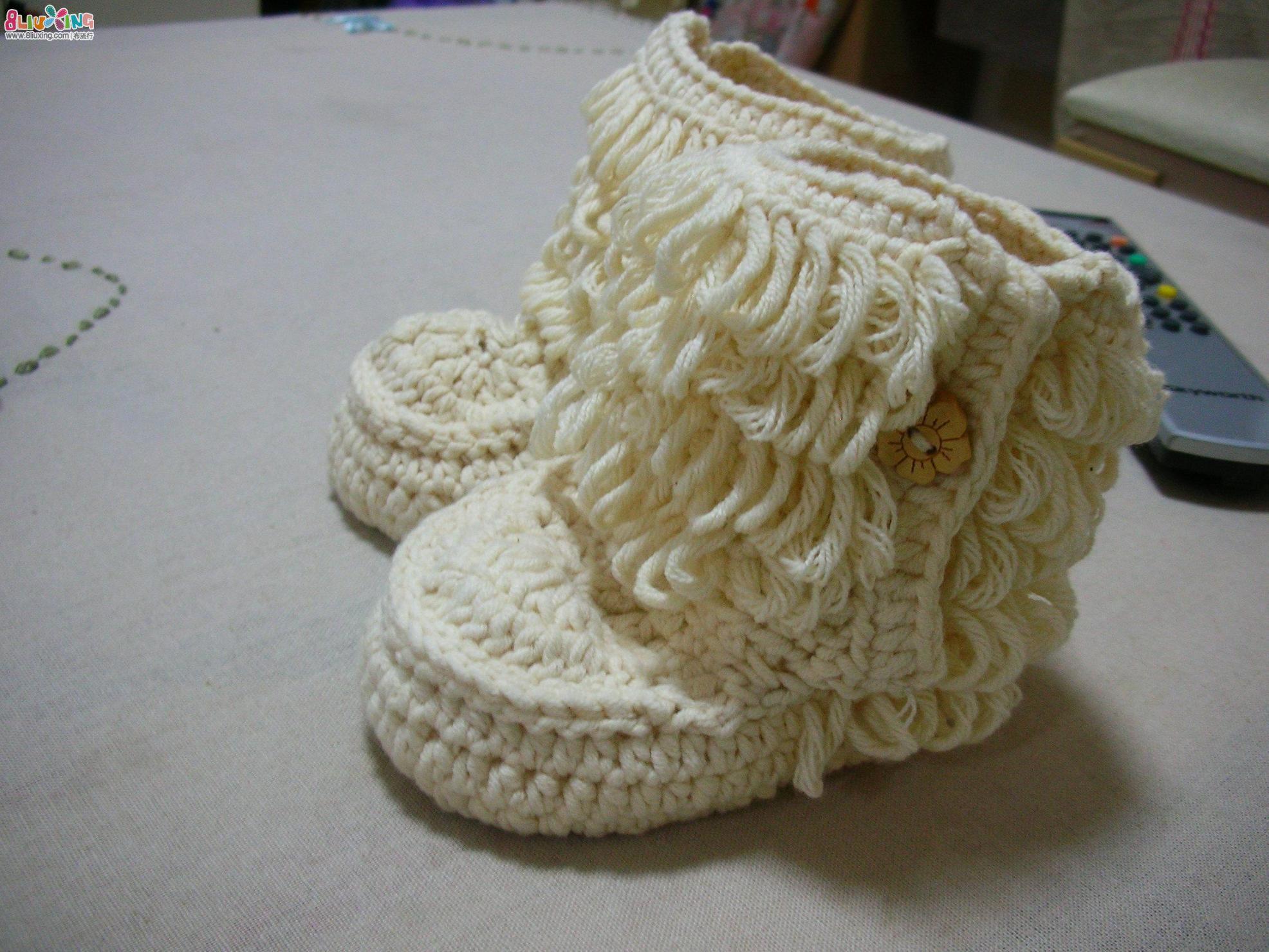 给宝宝的爱-2011年钩针学习总结可爱的绣花鞋,小披风等