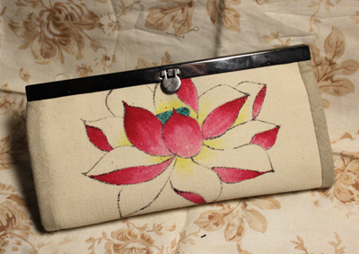 手绘班的毕业作品做成了包包,来展示一下 水墨线描手绘班