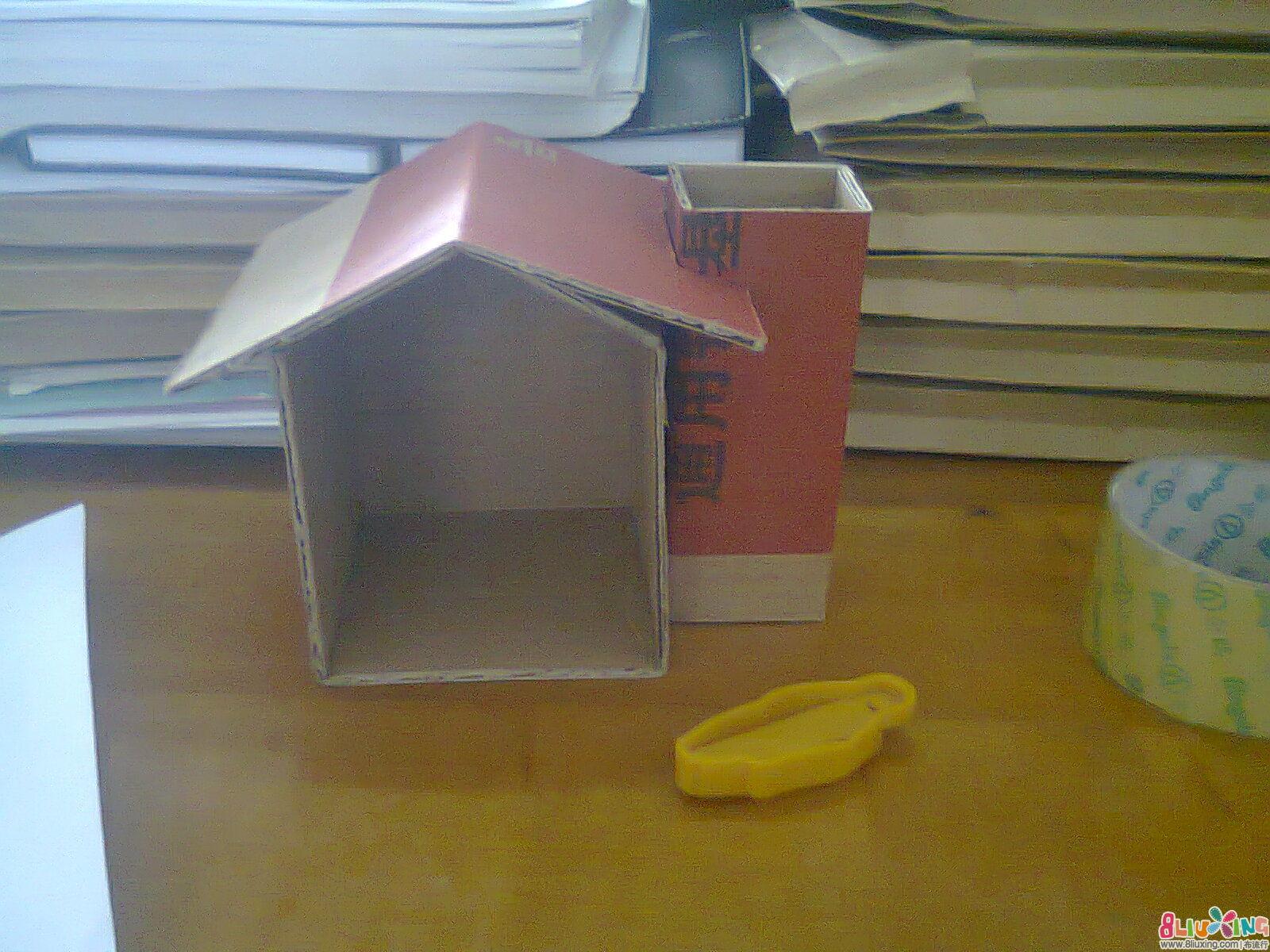 用纸盒做笔筒图片1