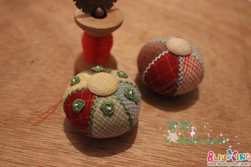 兔子口金包-可爱小球针插