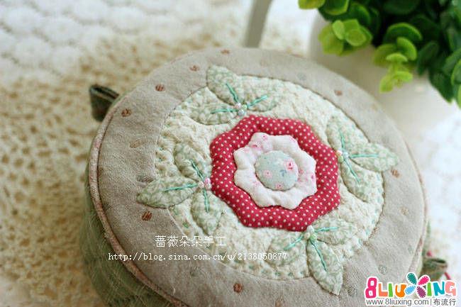 蔷薇朵朵拼布-花朵蝴蝶结立体小圆包