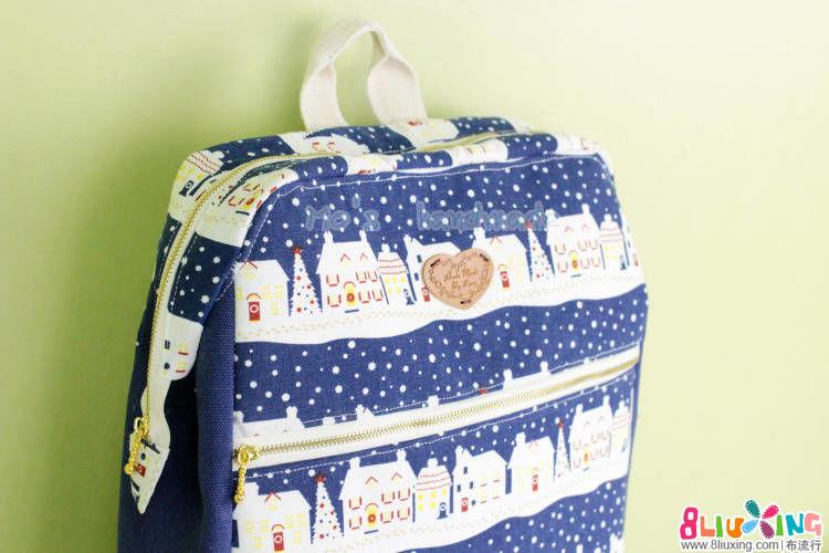 11月荣荣团作---圣诞雪屋双肩包