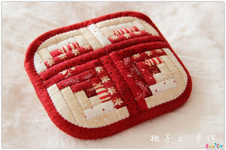 『桃子's 手作』LOVE 小木屋+祖母 拼布零钱包~ 母亲节专供