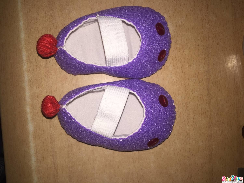 不织布红眼怪婴儿鞋