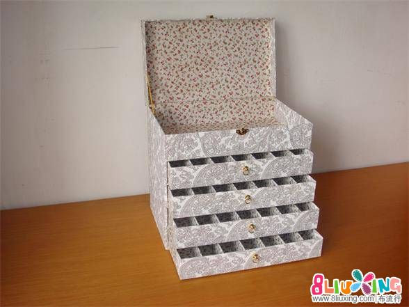 自己制作的抽屉式绣线盒