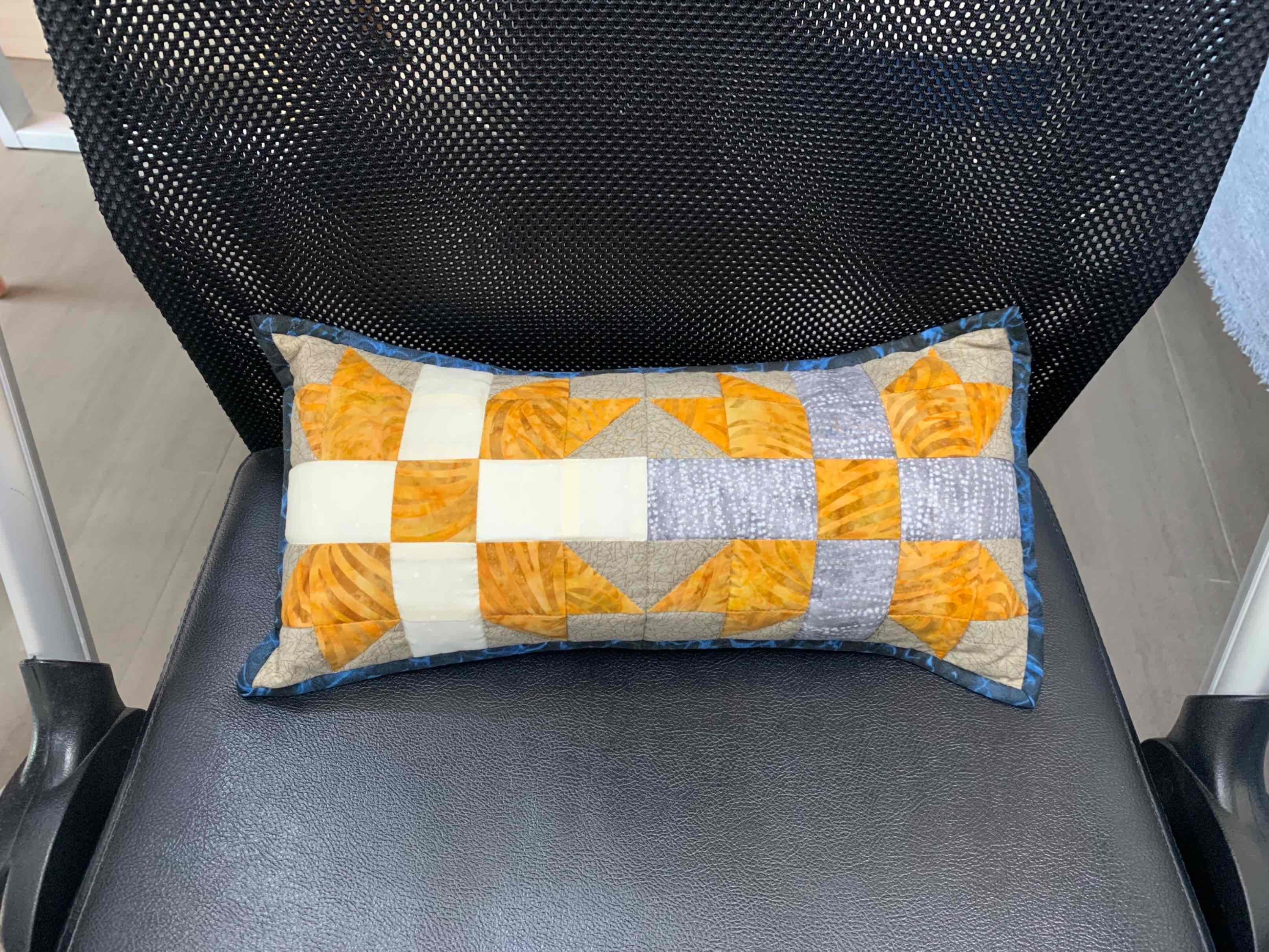 机缝小靠枕