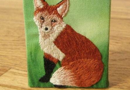 手工刺绣狐狸